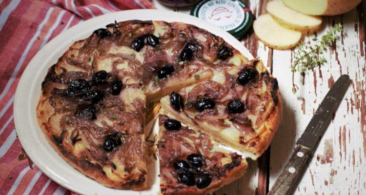 RICETTA: Torta rovesciata con cipolle in agrodolce e patate